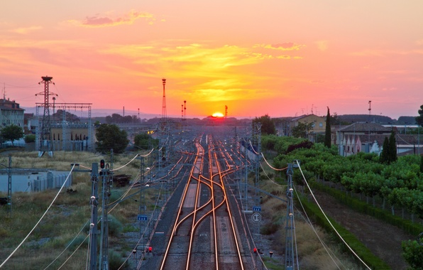 Picture the sky, the sun, sunset, the way, arrows, building, station, horizon, railroad