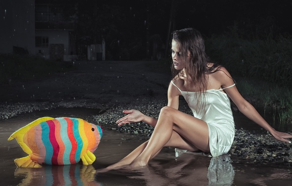 Picture girl, fish, puddle