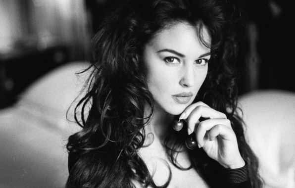 Picture chest, look, girl, actress, Monica Bellucci, Black and white