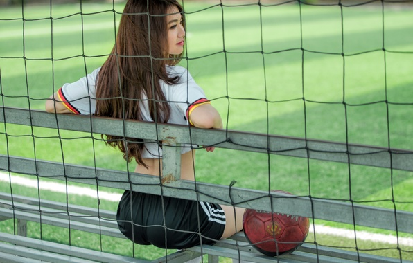 Picture girl, sport, the ball