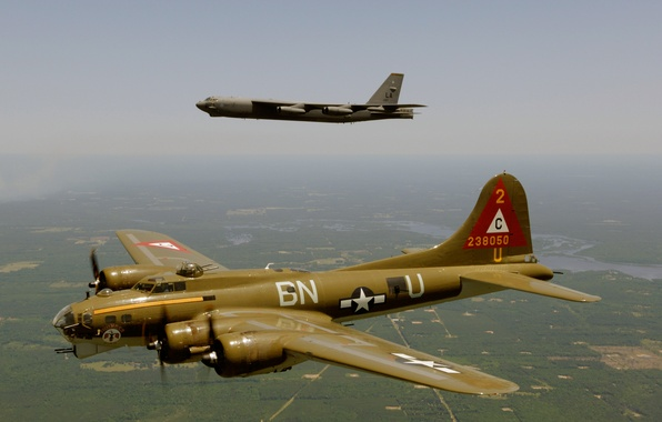 "Picture flight, Boeing, bomber, strategic, B-17, four-engine, heavy, Flying Fortress, B-52, STRATO fortress, The ""flying fortress"""
