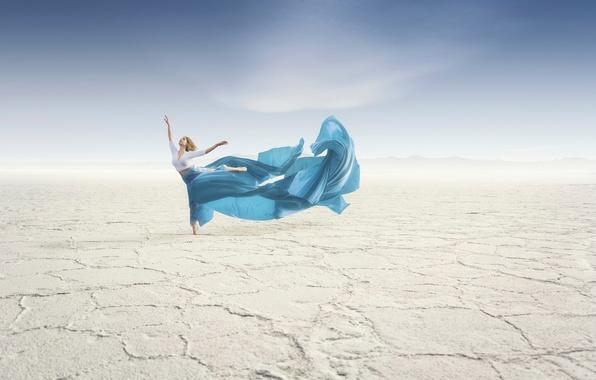 Picture girl, desert, dance