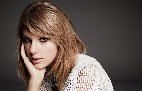 Picture singer, Taylor Swift, Taylor Swift