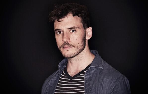 Picture portrait, t-shirt, actor, shirt, black background, striped, photoshoot, Sam Claflin, Sam Claflin, 2016, Giffoni, Vittorio …