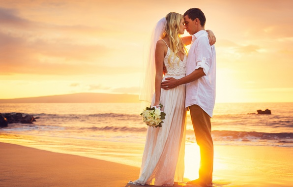 Picture happy, beach, sea, sunset, couple, wedding, bride, just married, kissing