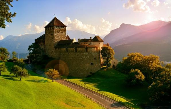 Picture road, trees, mountains, castle, Alps, Alps, Liechtenstein, Vaduz, Liechtenstein, Vaduz Castle, Vaduz Castle, Vaduz