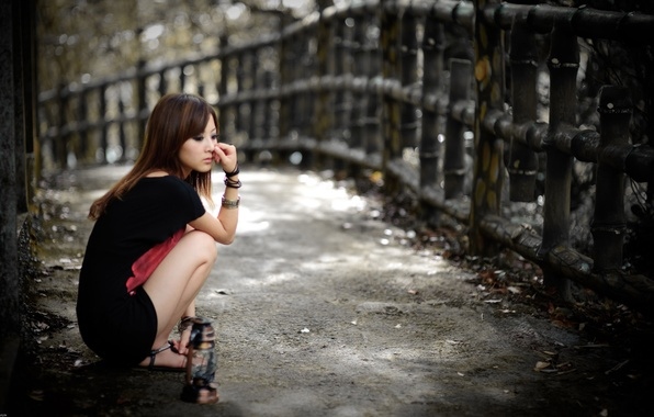 Picture street, a sad look, Asian