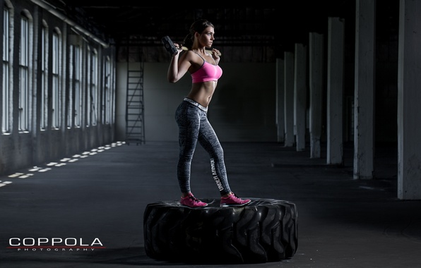 Picture photography, pose, hammer, crossfit