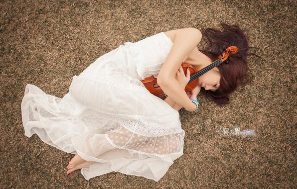 Picture girl, pose, music, violin