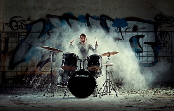 Picture girl, emotions, drums