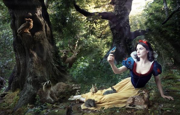 Picture tale, Rachel Weisz, Rachel Weisz, snow white, snow white and the seven dwarfs