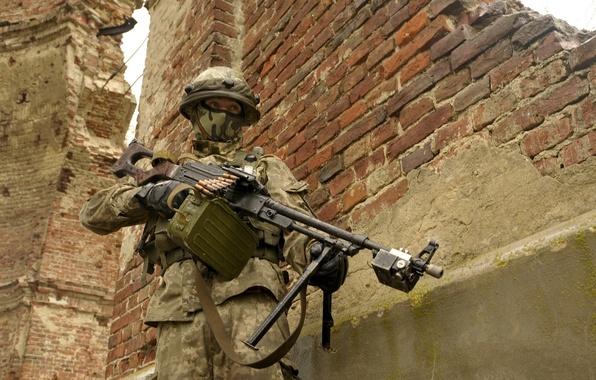 Picture weapons, war, Ukrainian Soldier