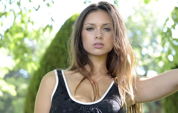 Picture girl, light, Park, model, neckline, brown hair, beautiful, Louisa Marie