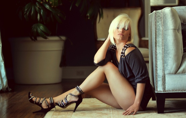 Picture girl, dress, blonde, shoes, sitting, on the floor