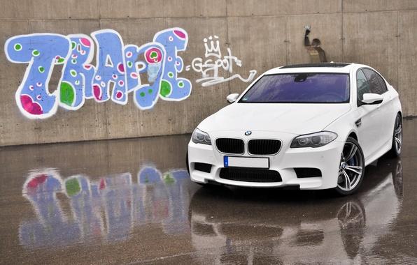 Picture machine, auto, graffiti, BMW, white, F10