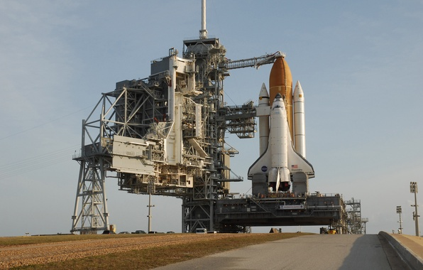 Picture Spaceport, Shuttle discovery, launch pad