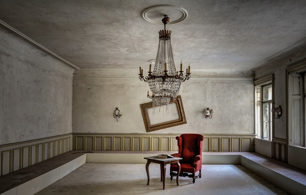 Picture room, chair, chandelier