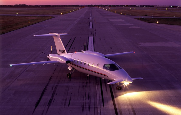 Picture the sky, night, lights, strip, the evening, the plane, takeoff, WFP, taxiing, Green Concept