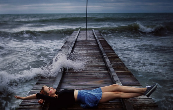 Picture sea, girl, bridge