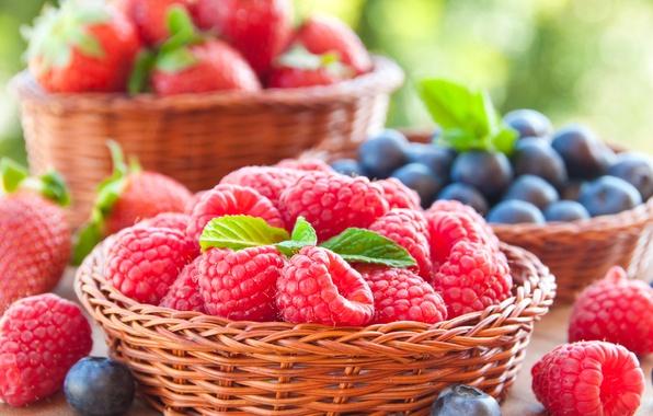 Picture berries, raspberry, blueberries, strawberry, basket, fresh, berries