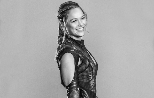 Picture Luna, Ronda Rousey, The Expendables-3