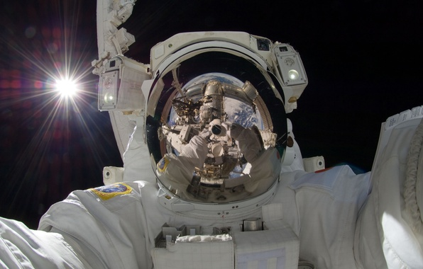 Picture space, rays, reflection, The sun, Earth, astronaut, self portrait