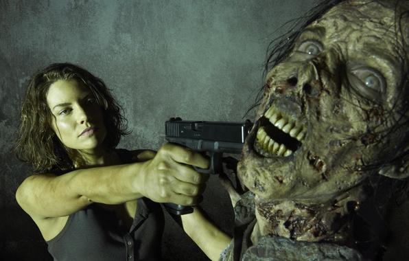 Picture gun, zombies, Maggie, The Walking Dead, The walking dead, Lauren Cohan