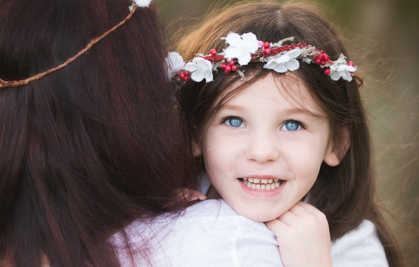 Picture joy, flowers, smile, background, mood, widescreen, Wallpaper, girl, wallpaper, girl, wreath, mom, child, smile, widescreen, …