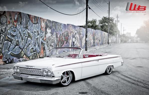 Picture white, tuning, logo, Chevrolet, Chevrolet, drives, classic, chrome, tuning, the front, Impala, Impala, wall.grafiti