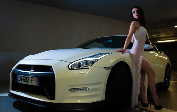 Picture machine, auto, girl, pose, feet, shoes, supercar, Nissan GT-R