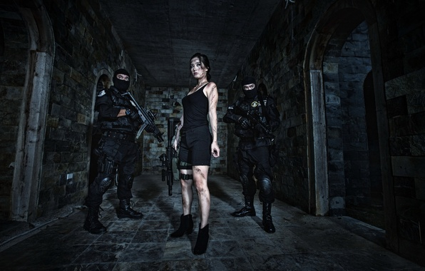 Picture girl, weapons, Asian, SWAT