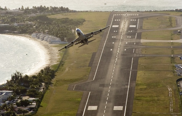 Picture sea, the ocean, strip, island, Airport, Boeing, The rise, the plane, 747, takeoff, Passenger, WFP, …