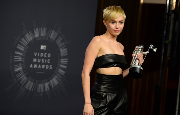Picture singer, Miley Cyrus, Miley Cyrus, Video Music Awards