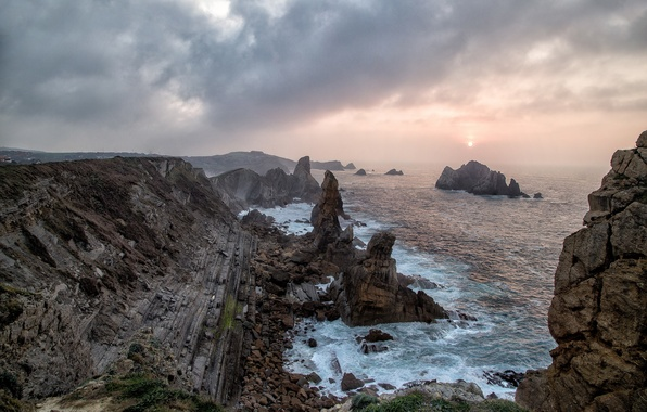 Picture sea, the sun, clouds, fog, rocks, morning