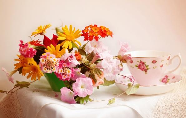Picture bouquet, Cup, napkin, © Elena Di Guardo