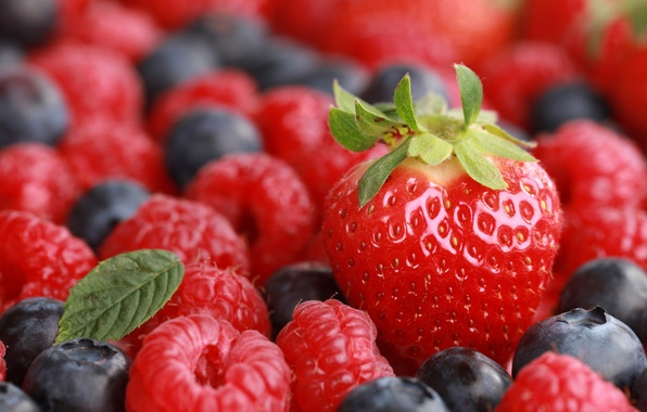 Picture berries, raspberry, blueberries, strawberry