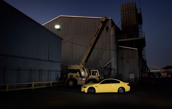Picture yellow, building, bmw, BMW, coupe, crane, arrow, e92, Dakar Yellow
