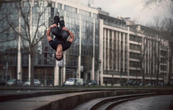 Picture the city, jump, flip-flops, Matthieu Helman