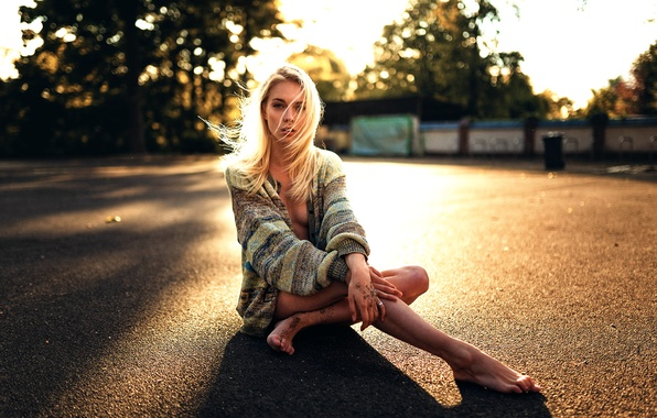 Picture asphalt, girl, tattoo, legs, Miro Hofmann, Sünni
