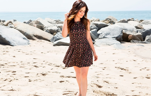 Picture photoshoot, Lucy Hale, Hollister