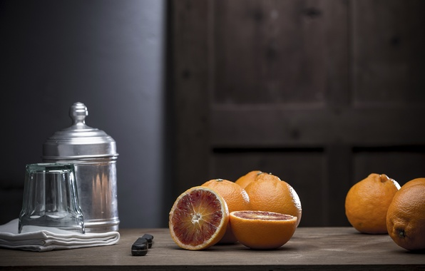 Picture table, oranges, knife, still life