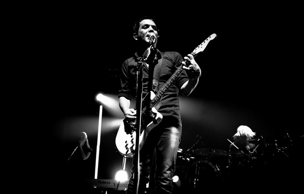 Picture darkness, guitar, silhouette, concert, placebo, brian molko, plasibo