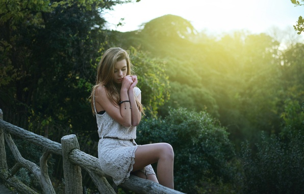 Picture forest, summer, look, the sun, light, face, Park, tree, the fence, Girl, fence, hands, dress, ...