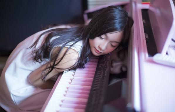 Picture music, girl, piano