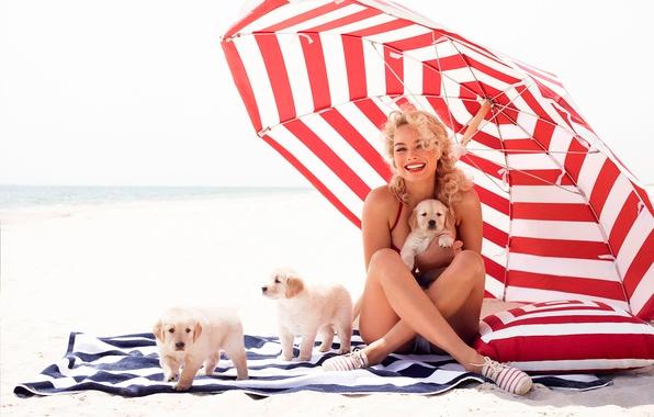 Picture photoshoot, dogs, Margot Robbie, Vanity Fair