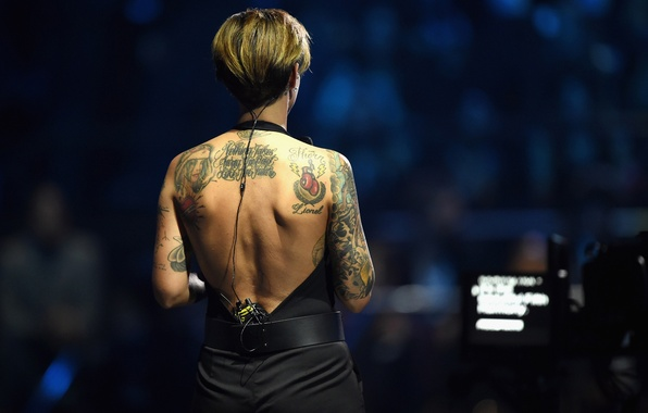 Picture tattoo, Show, Australian singer, Ruby Rose, MTV EMA's 2015, Ruby Rose