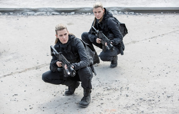 Picture The hunger games:mockingjay, in the film, The Hunger Games:Mockingjay - Part-2, Kim Ormiston, Misty Ormiston