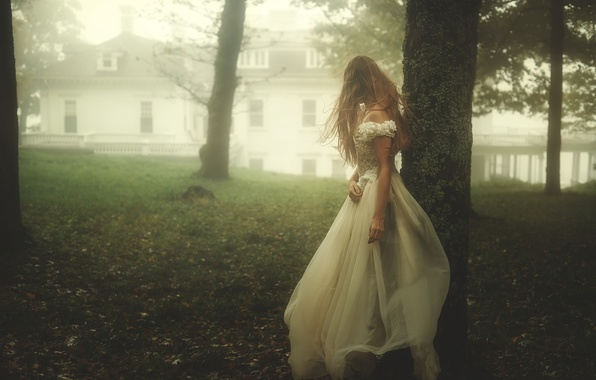 Picture girl, fog, dress, TJ Drysdale, Runaway