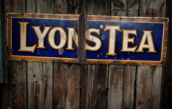 Picture text, street sign, Lyons' Tea