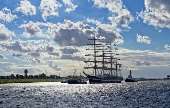 Picture sea, clouds, ships, breeze, Russia, Frigate
